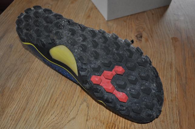 Vegane Schuhe von unten - Vegane Schuhe von oben - Vegane Schuhe in Aktion - Vivobarefoot Trail Freak Men