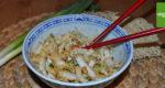 Mienudelsalat mit Sesam und Mandeln