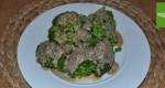 Brokkoli mit Mandelmus Sauce